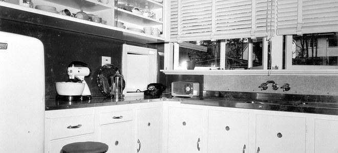 How To Repair Peeling Melamine Cabinets Doityourself Com