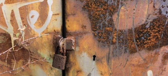 removing rust from metal doors. Black Bedroom Furniture Sets. Home Design Ideas