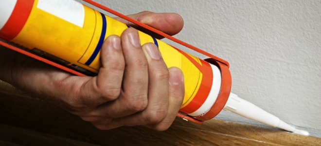 How to Caulk Anything! How to Caulk, Caulking Tips, Caulking Hacks, How to Caulk Everything, DIY Home, DIY Home Improvement, Home improvement Hacks, Easy Home Improvements