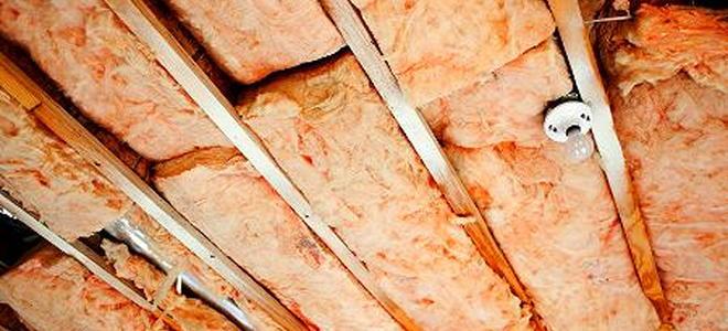 Fiberglass Insulation in the Attic 2 Installation