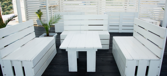 Restore White Wood Furniture from these  Problems  DoItYourself