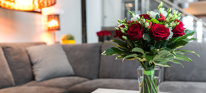 A vase of red roses