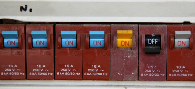 Find and Use the Controls That Drive Your House breakers edited 127698 how to replace a circuit breaker fuse doityourself com breaker box fuse replacement at bayanpartner.co