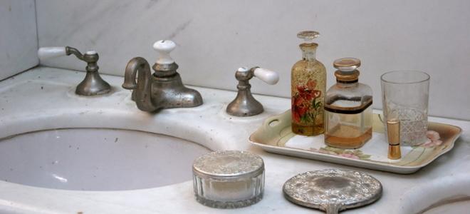 Vessel Sink Base: Pedestal vs. Vanity Bathroom Vessel Sink Base ...