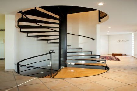 Pros And Cons Of Spiral Staircases Doityourself Com