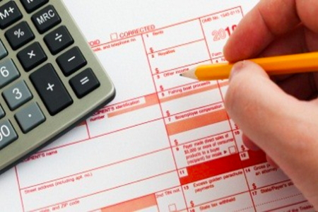 When Should You Consider Hiring an Accountant For Your Taxes?