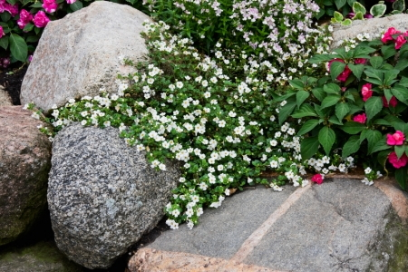 Enhance your home landscape with rocks and boulders for Landscaping with rocks and boulders