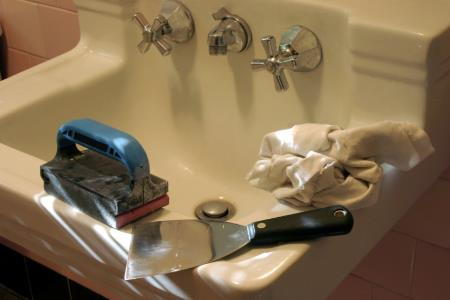 Diy tips to reduce bathroom remodeling costs for Bathroom renovation do it yourself