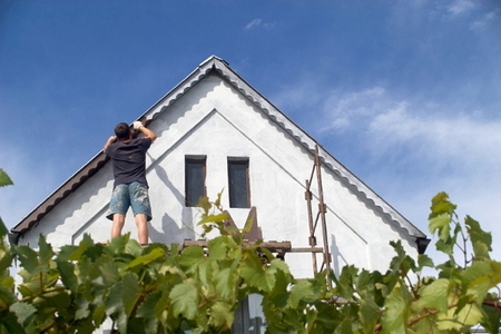 Painting Eaves And Overhangs Doityourself Com