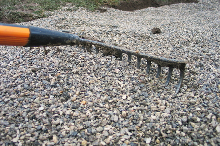 how to lay a weed barrier under a gravel driveway. Black Bedroom Furniture Sets. Home Design Ideas