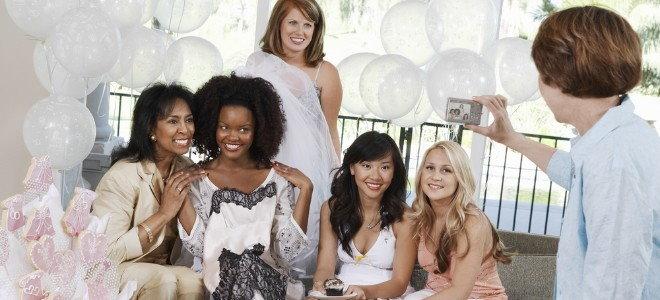 Wedding Shower Vs Bridal Shower Differences Doityourself Com