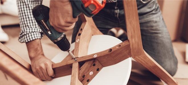 ремонтируем деревянный стул дрелью