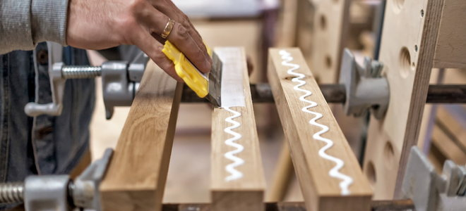 hand scrape glue on wooden beams