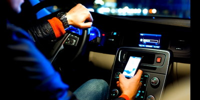 Why  Social  Media  and  Driving  Don't  Mix