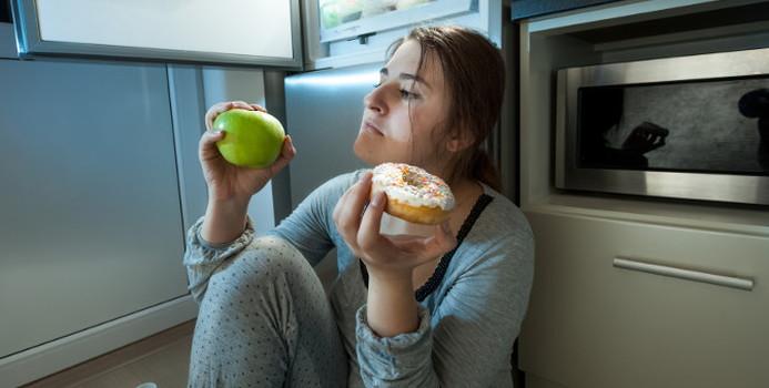 unhealthy eating habits_000040169854_Small.jpg
