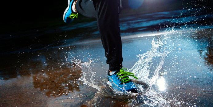 running rain_000027275607_Small.jpg