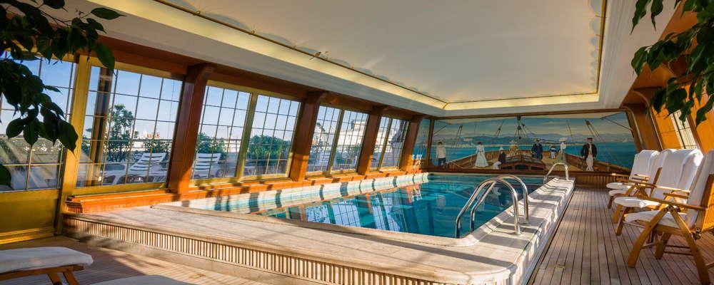6th floor rooftop pool