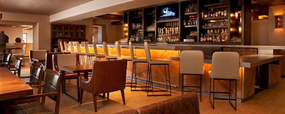 The hip, sophisticated AGAVE Lounge offers an enticing menu of shared plates, extensive wine-by-the-glass program, and specialty cocktails.
