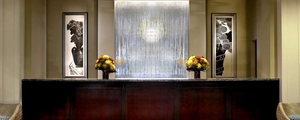 Kimpton Alexis Hotel lobby