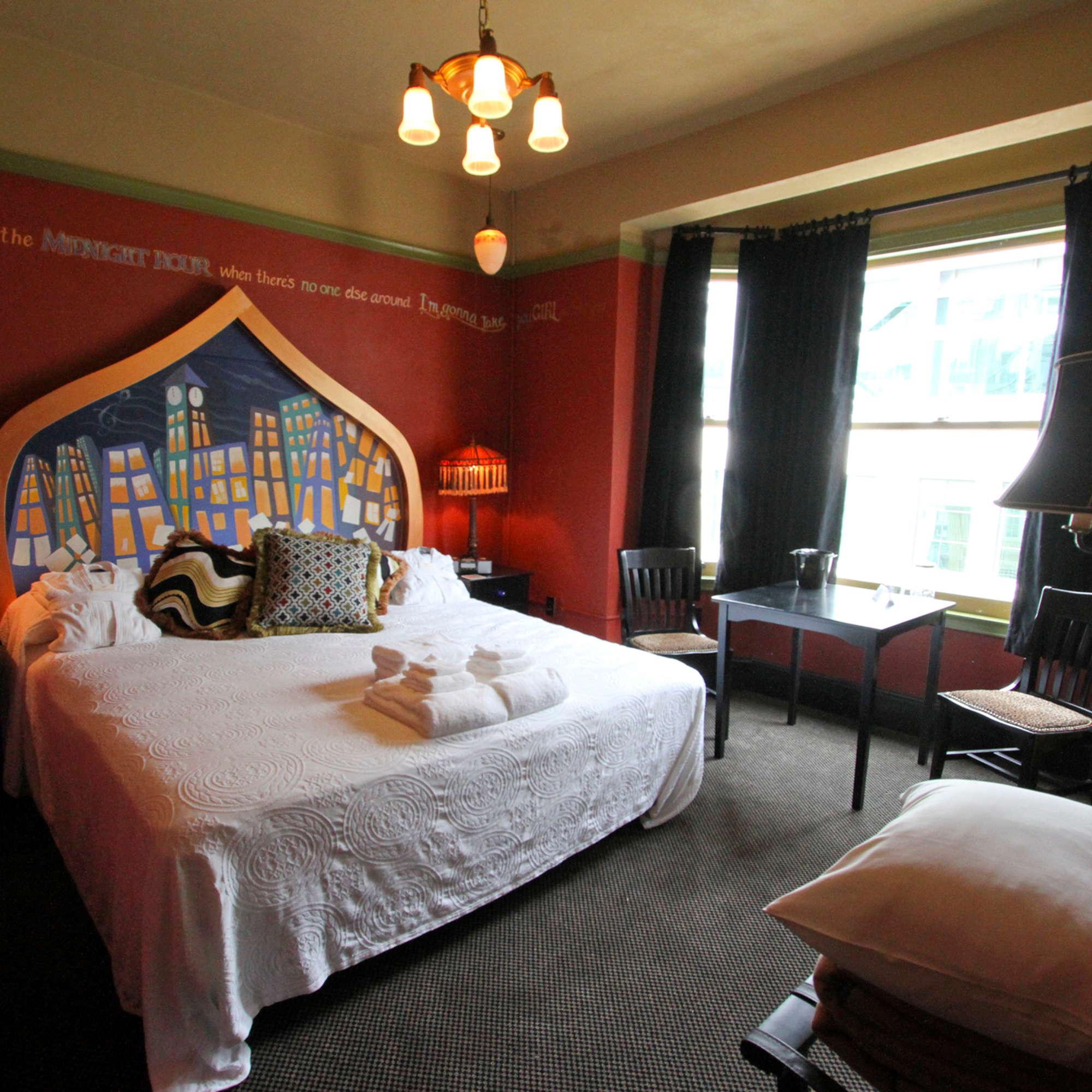 Mcmenamins Crystal Hotel