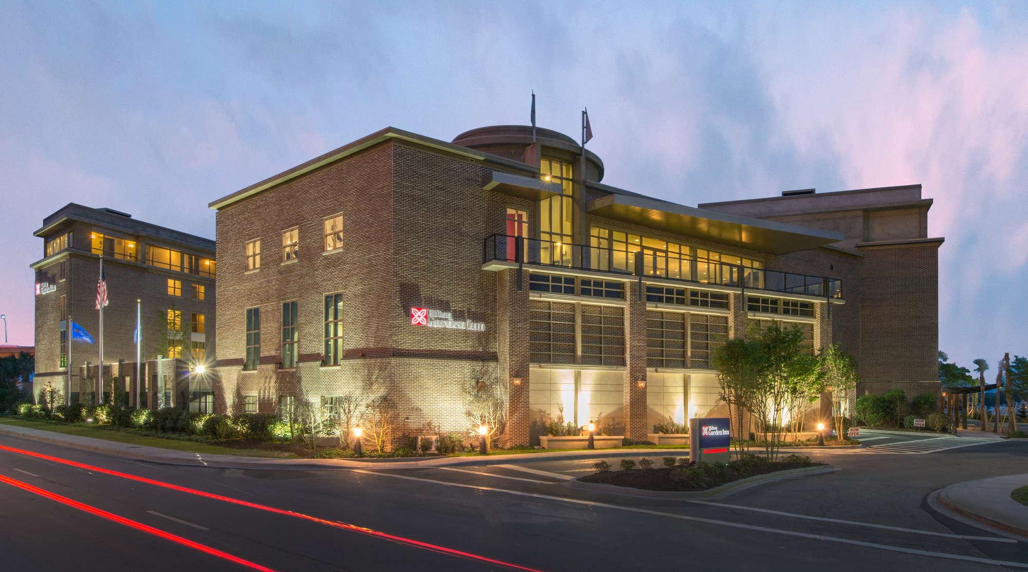 Hilton Garden Inn Charleston Waterfront Expert Review | Fodor\'s Travel