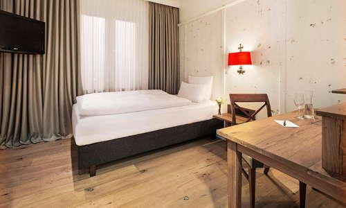 Standard single room (example)