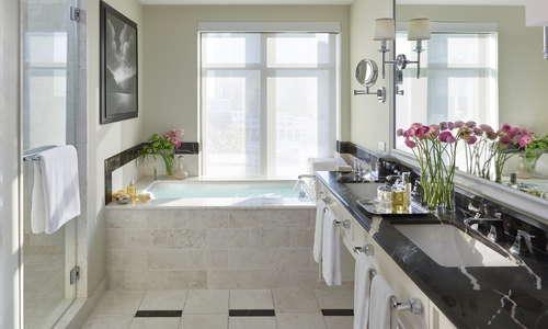 Mandarin Terrace Bathroom