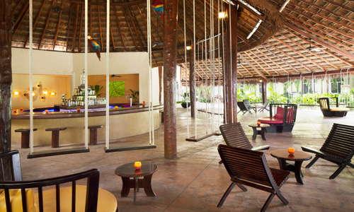 Guacamayas Bar