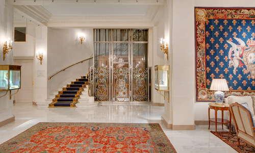 Le Bristol Paris's lobby