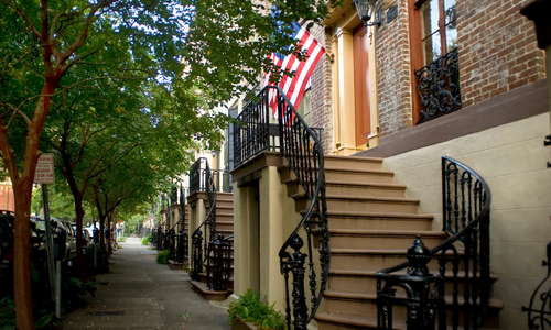 Welcome to our historic B&B in the historic district!