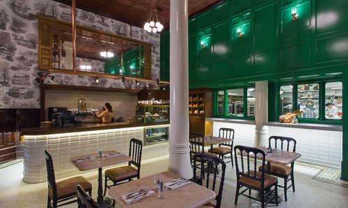 1886 Cafe & Bakery bar and bakery windows
