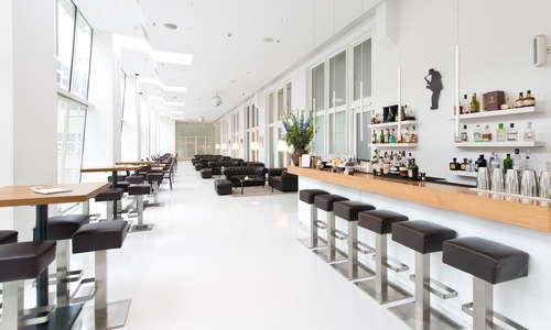 DUKE Bar & Lounge