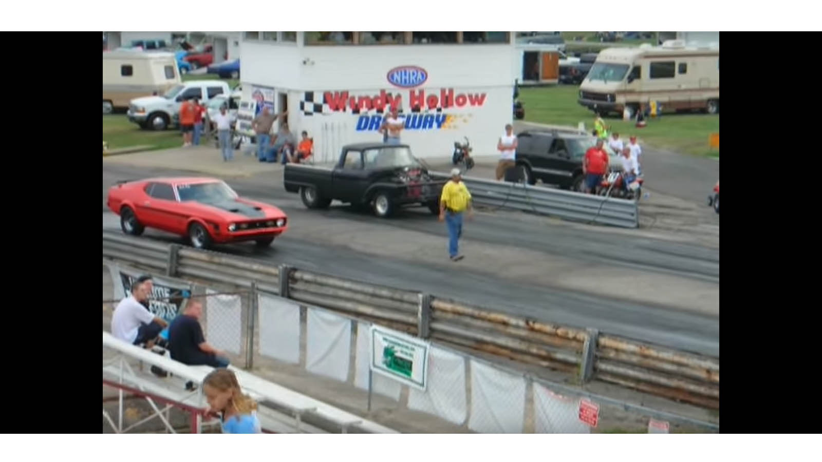 1963 Ford F100 Truck vs 1971 Mach 1