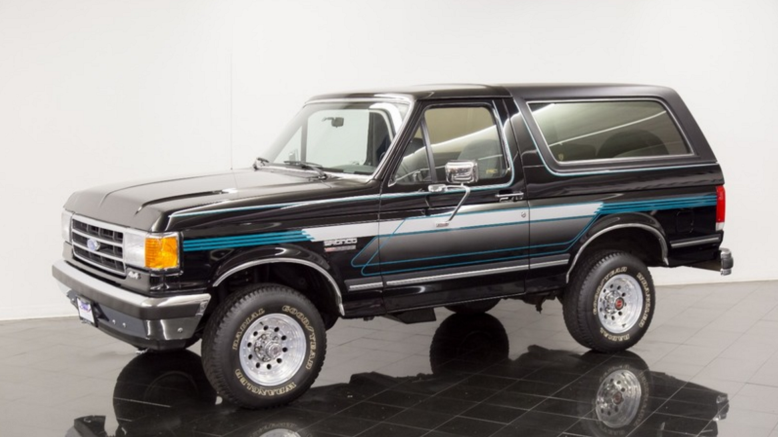 23K Mile 1990 Ford Bronco Will Take You Back