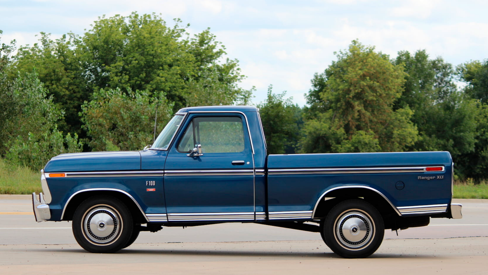 1974 Ford F-100 Is Absolutely Picture Perfect