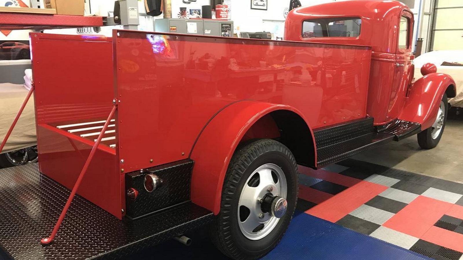 Vintage 1935 Ford Pumper Truck Gets New Lease on Life