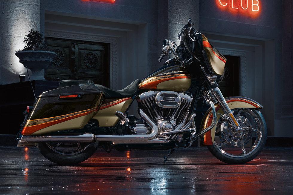 Harley Davidson Street Glide   Mile
