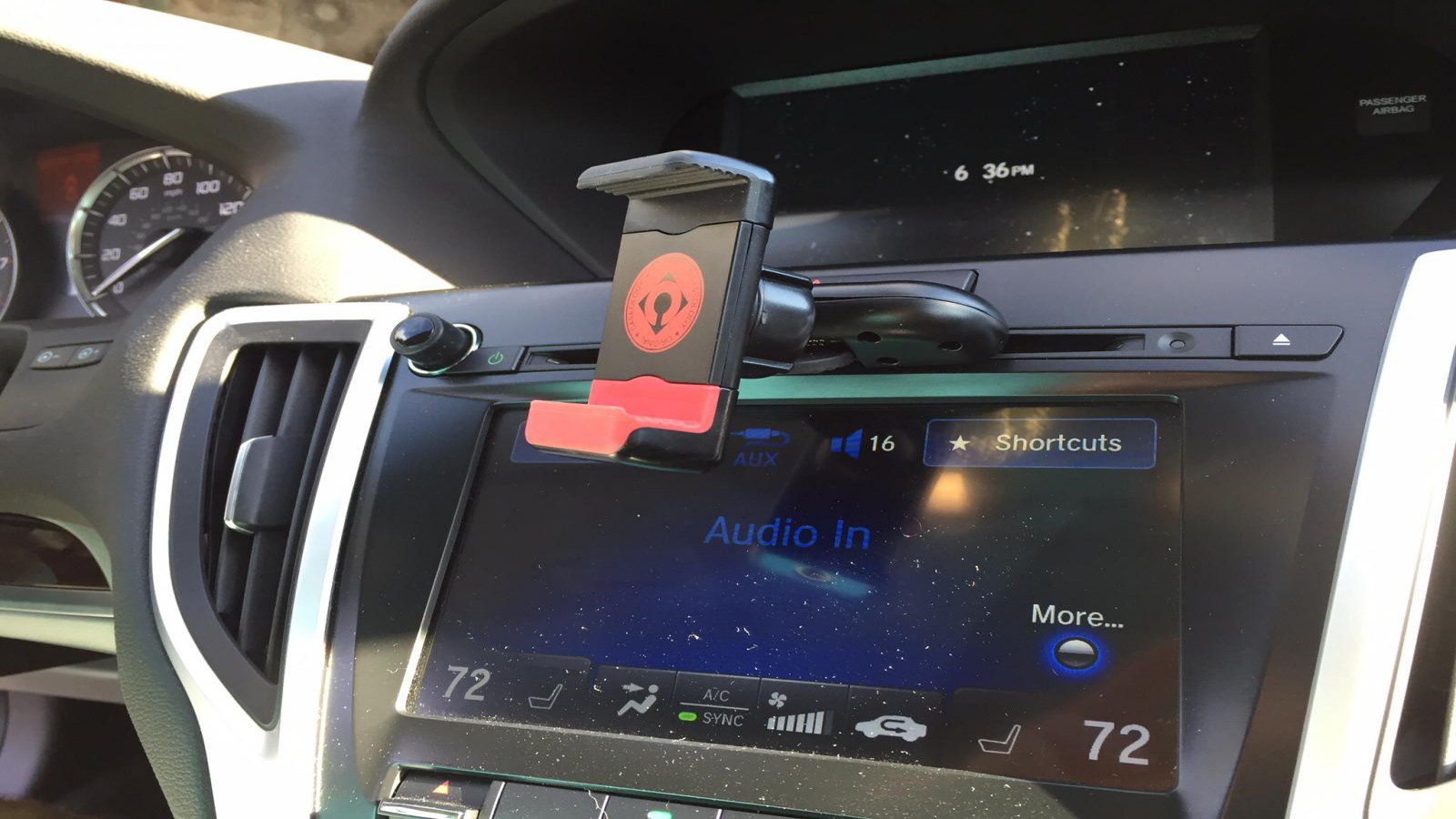 CD iPhone Car Mount