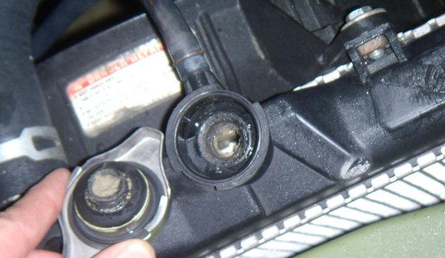 Radiator Gunk on Honda Civic Vacuum Hoses