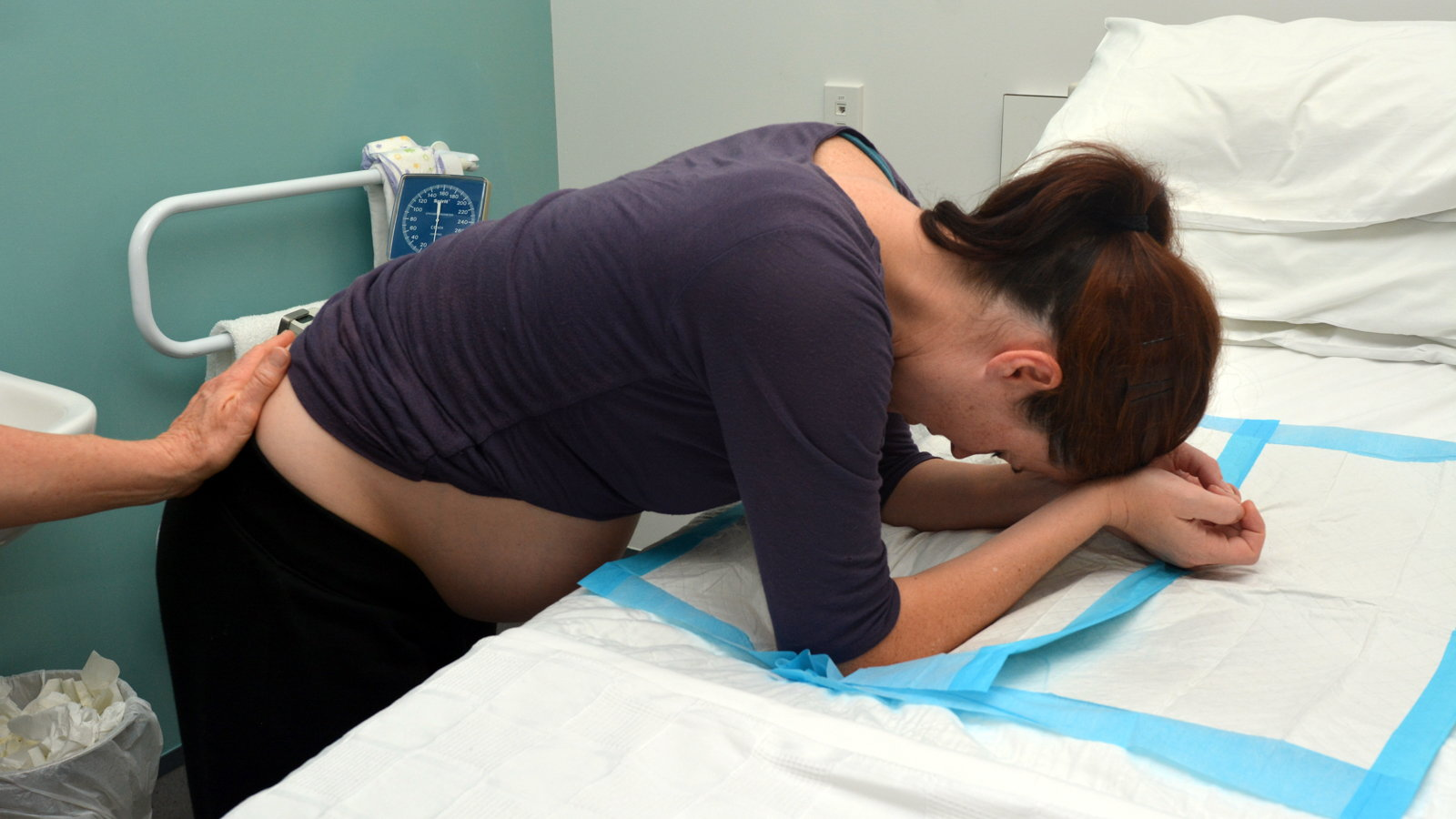 pregnant mom in labor