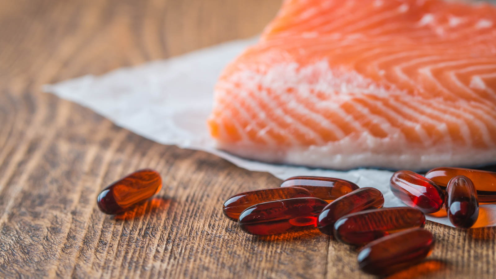 fish with fish oil capsules