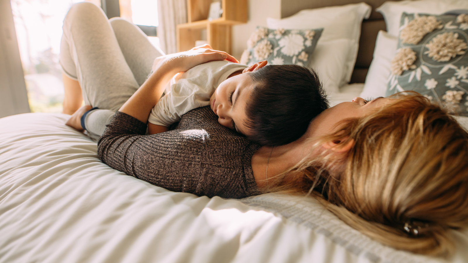 mom sleeping with son