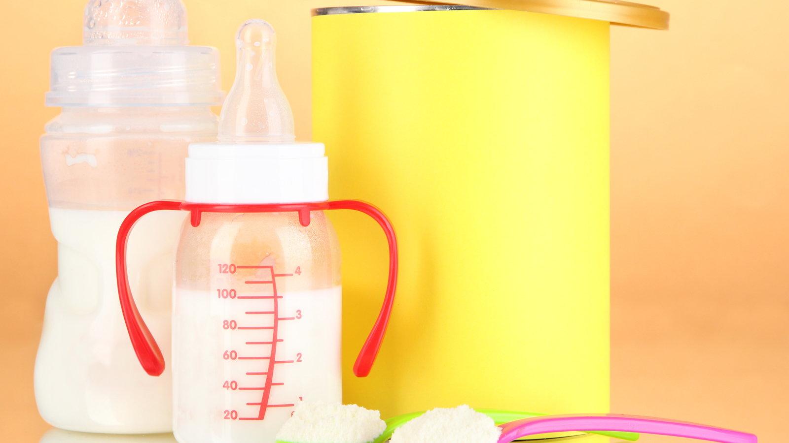 baby bottles with infant formula