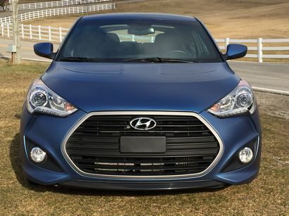 2016 Hyundai Veloster Rally Edition 1.6L Turbo front fascia detail