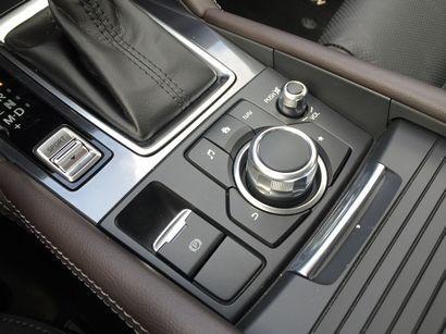 2016 Mazda Mazda6 Grand Touring Commander control