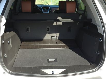 2016 Chevrolet Equinox AWD LTZ cargo area detail