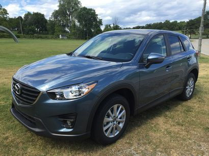2016.5 Mazda CX-5 front 3/4 view