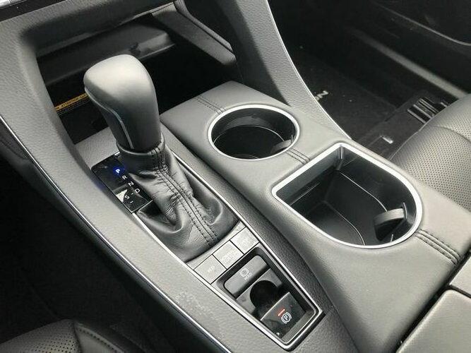 2019 Toyota Avalon Touring interior