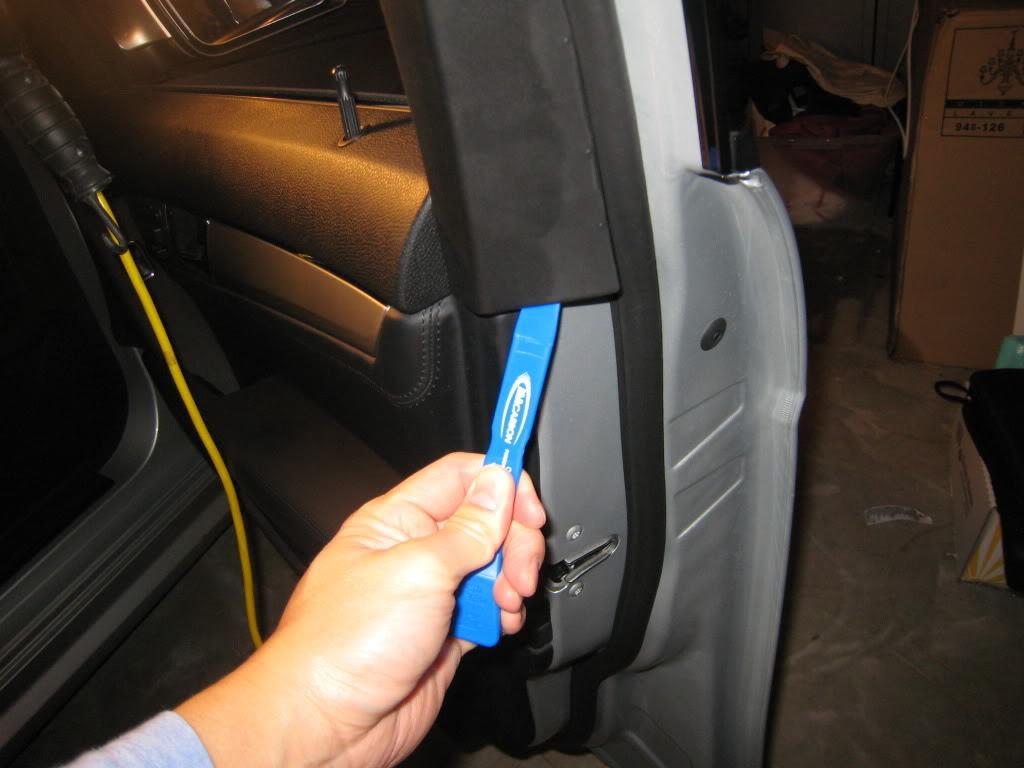 Remove upper door trim. & Mercedes-Benz C-Class w204 How to Remove Door Trim Panel - Mbworld pezcame.com