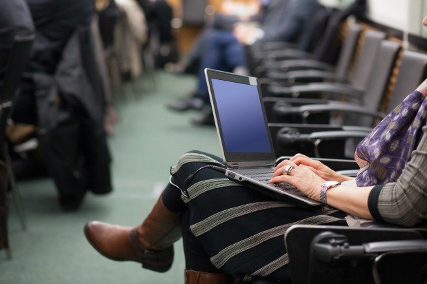Online AA Meetings: Are They Worth Attending?